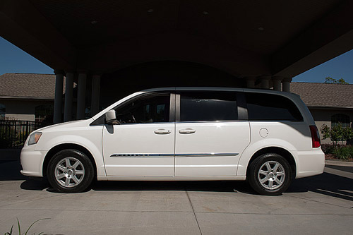 type minivan for sale bransontruckandauto. Black Bedroom Furniture Sets. Home Design Ideas